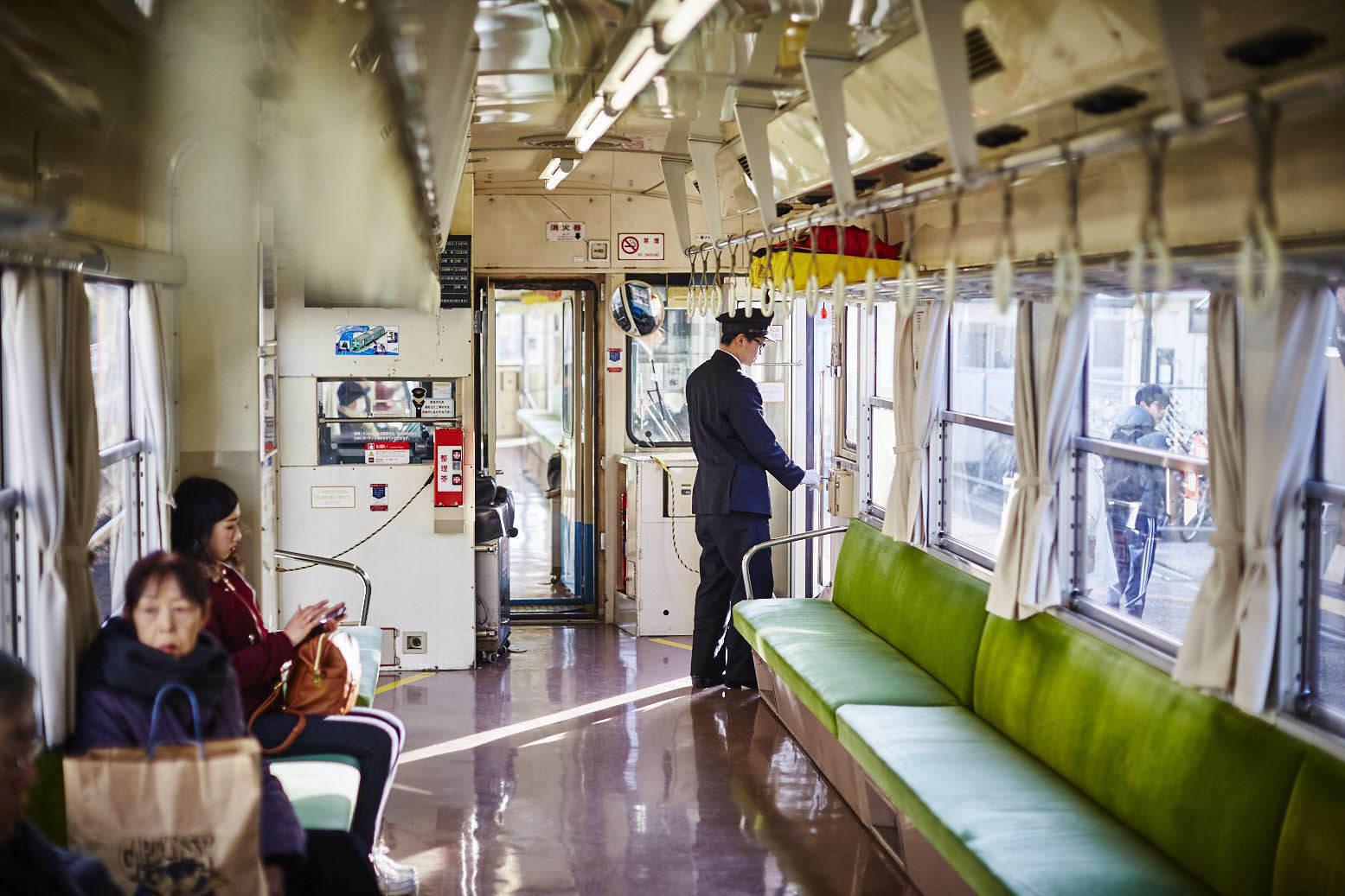 72.汽車にのる6.jpg .jpg